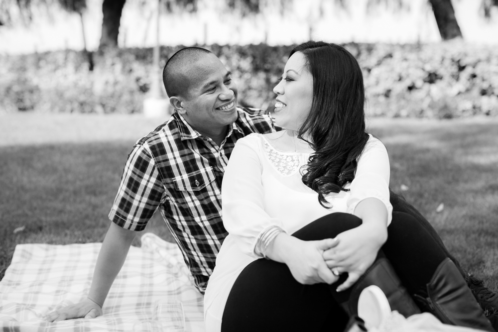 Southcoast-Winery-Engagement-Photography-03