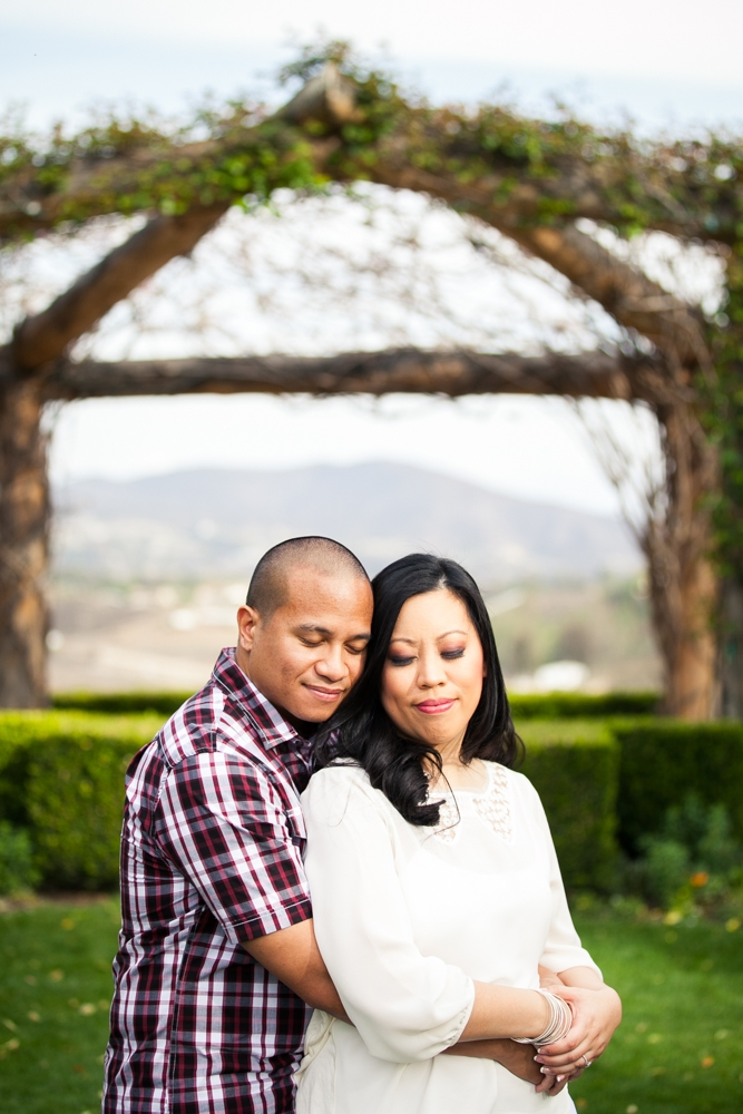 Southcoast-Winery-Engagement-Photography-09